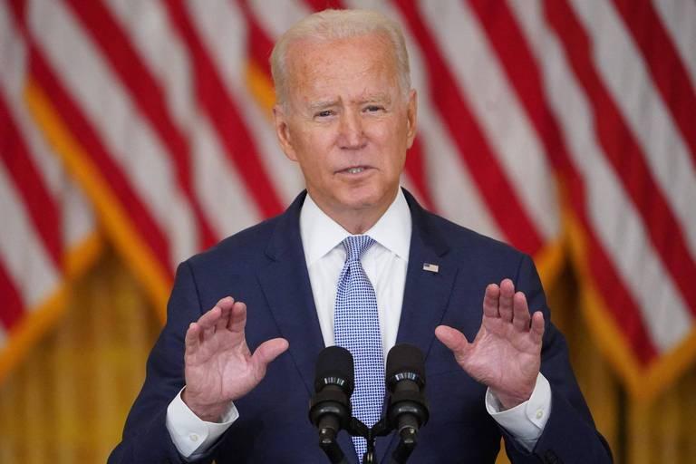 """""""Vingt ans d'efforts anéantis"""", """"Un désastre politique pour Joe Biden"""" : les médias américains réagissent à la prise de pouvoir des talibans"""