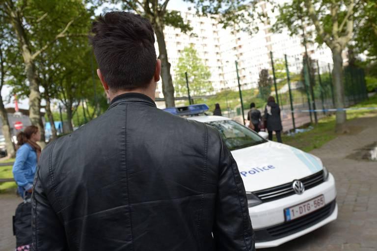 Bruxelles - mort d'un voleur de telephone dans les marolles - abattu par un policier