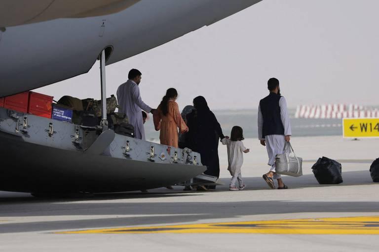 Une femme afghane accouche sur un vol d'évacuation américain