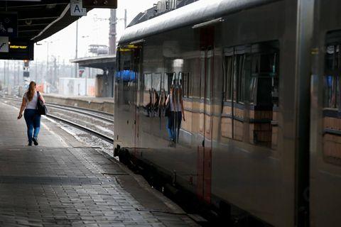 En raison des intempéries, aucun train ne peut circuler en gare de Braine-le-Comte