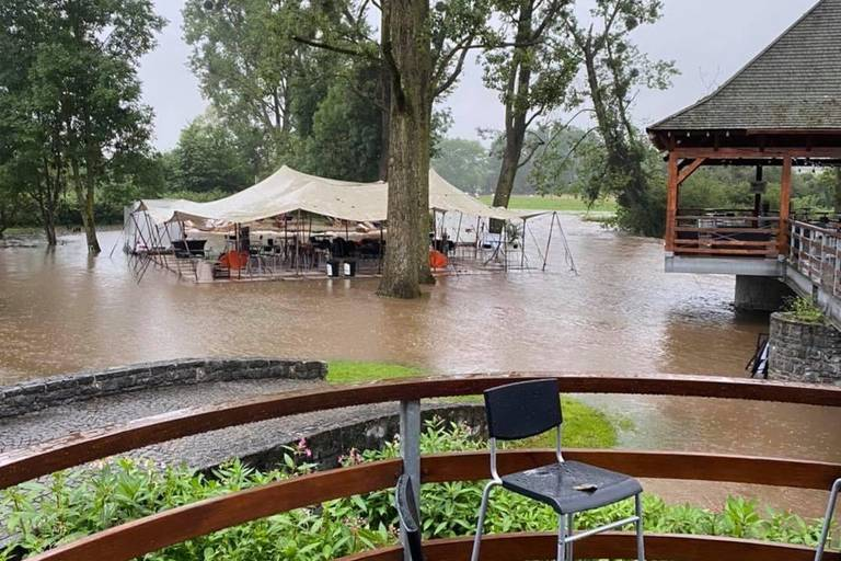 600 scouts évacués, coulées d'eau boueuse, routes et caves inondées : l'arrondissement de Dinant/Philippeville pas épargné par les intempéries