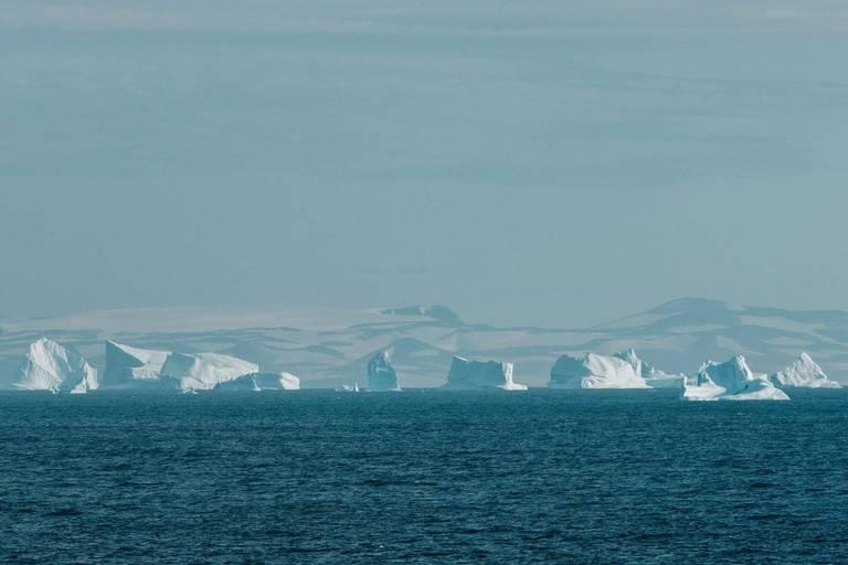 Des scientifiques de la VUB veulent traquer des particules cosmiques au Groenland