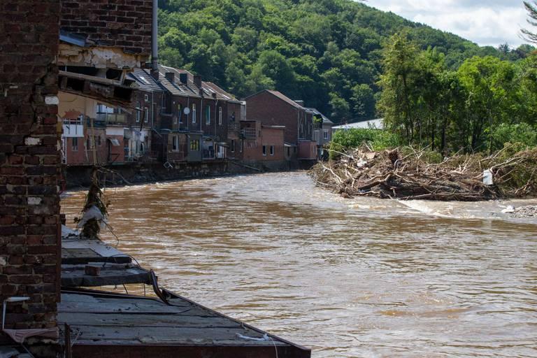 """L'IRM en sait plus sur le phénomène météo à l'origine des inondations qui ont frappé la Belgique: """"C'est arrivé via l'Allemagne"""""""