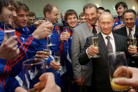 RUSSIA-PUTIN-IHOCKEY-TEAM