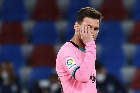 """Messi sous le choc, selon la presse espagnole: """"Il ne pensait qu'à rester au Barça"""""""