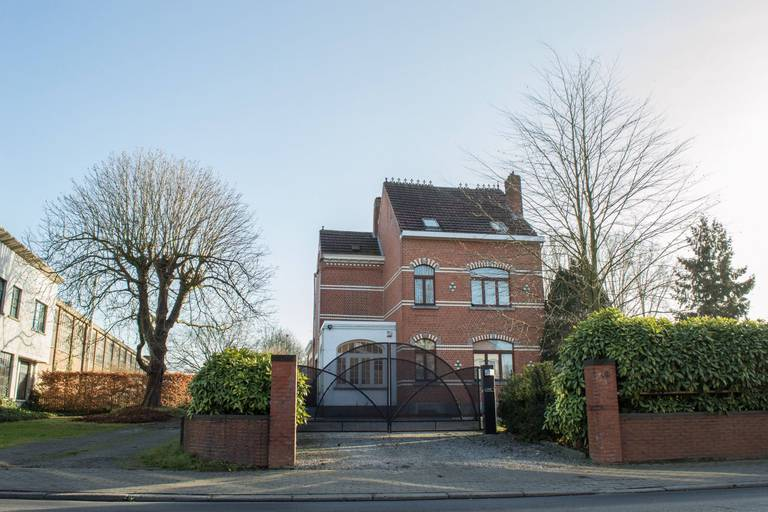 Les maisons quatre façades se sont vendues au prix médian de 330 000 euros au premier semestre