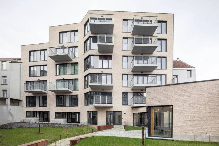 Parmi les projets de Fair Ground figure un espace associatif à animer au rez-de-chaussée du projet résidentiel Arc-en-Ciel géré par le CLTB à Molenbeek-Saint-Jean.