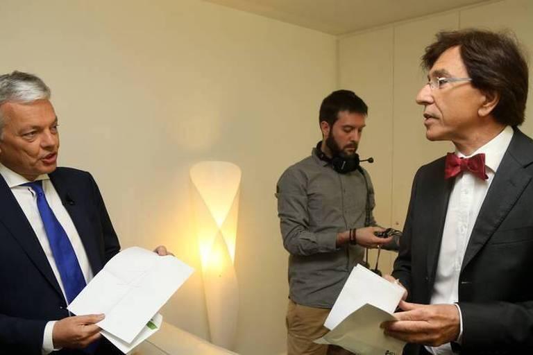 Sondage: Reynders seul en tête à Bruxelles, De Wever en recul en Flandre