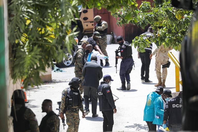 """A Haïti, quatre """"mercenaires"""" tués et deux arrêtés après l'assassinat du Président Moïse : """"Des professionnels bien entraînés"""""""