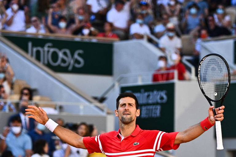 Novak Djokovic remporte son 2e Roland-Garros et s'offre un 19e titre du Grand Chelem!