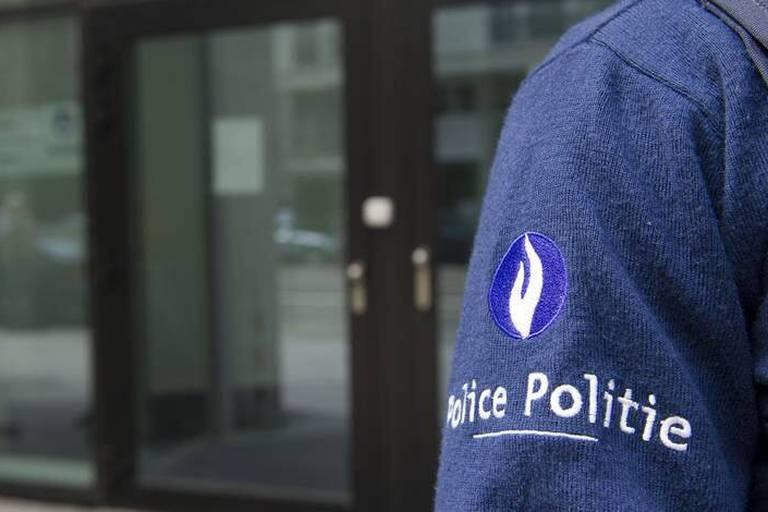 Attentat au musée juif: un troisième suspect français incarcéré et une chaise roulante en ligne de mire