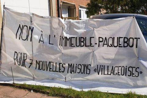 """Woluwe-Saint-Pierre : """"Non au mastodonte dans notre rue"""", le collectif de riverains du Chien Vert se bat contre le projet d'un immeuble"""