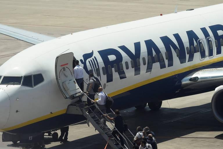 Espagne: un syndicat de pilotes porte plainte contre Ryanair