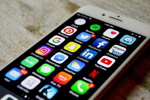 Après Google et LinkedIn, ce sont WhatsApp, Facebook et Twitter qui sont ciblés.