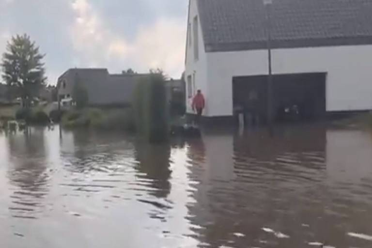 Rues sous eau et plan catastrophe enclenché: des inondations ce mercredi à Meise, au nord de Bruxelles (VIDEO)