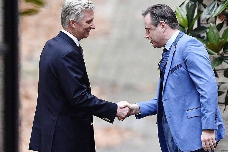 N-VA chairman Bart De Wever and King Philippe - Filip of Belgium pictured the Royal Palace, in Brussels, where the King invited the party chairmen for consultations, Wednesday 19 December 2018. Yesterday Prime Minister Michel offered his resignation to King Philippe - Filip of Belgium, after his Government Michel I lost it's majority and the opposition called for a motion of no-confidence. BELGA PHOTO DIRK WAEM