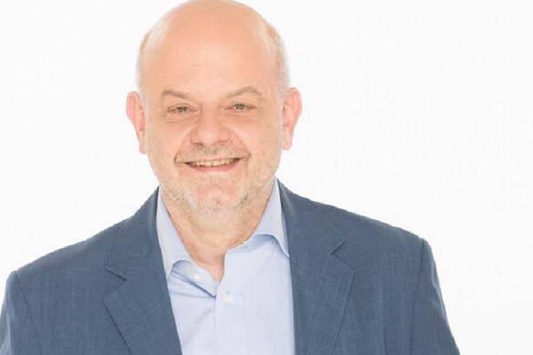 Le journaliste Eddy Caekelberghs suspendu d'antenne à la RTBF!
