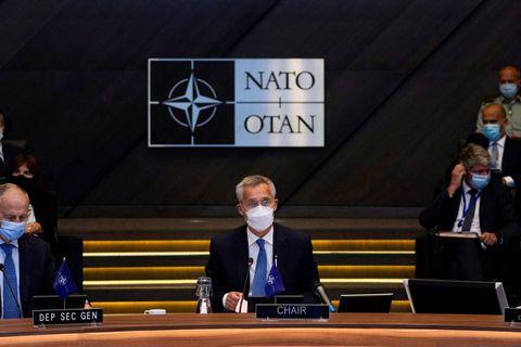 Conflit en Afghanistan : l'Otan appelle les talibans à permettre les évacuations