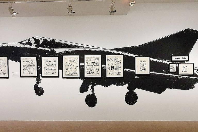 Quand Jean-Michel Charlier lui propose de collaborer à Tanguy et Laverdure, Uderzo, qui a appris le métier sur le tas, n'avait jamais dessiné d'avion auparavant.