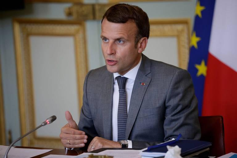 """Le gouvernement français pointe une reprise """"stratosphérique"""" de l'épidémie, le nouveau projet de loi sur les rails malgré les manifestations"""