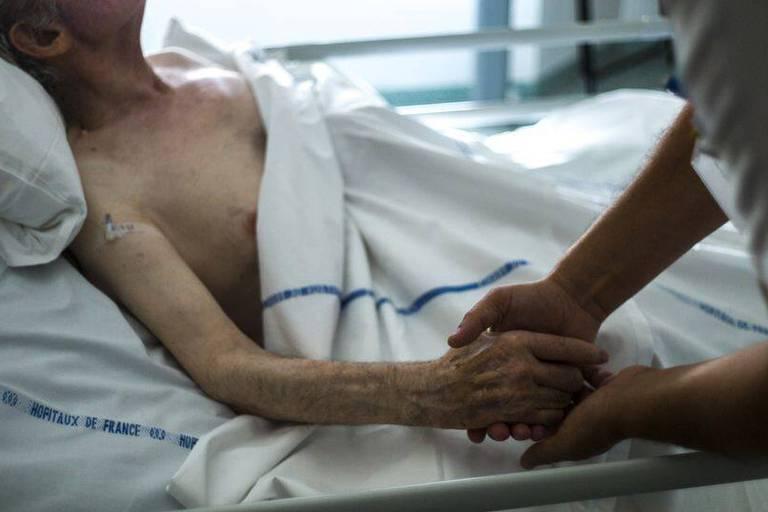 Pourquoi la crise du coronavirus devrait-elle nous alerter sur l'importance des soins palliatifs ?