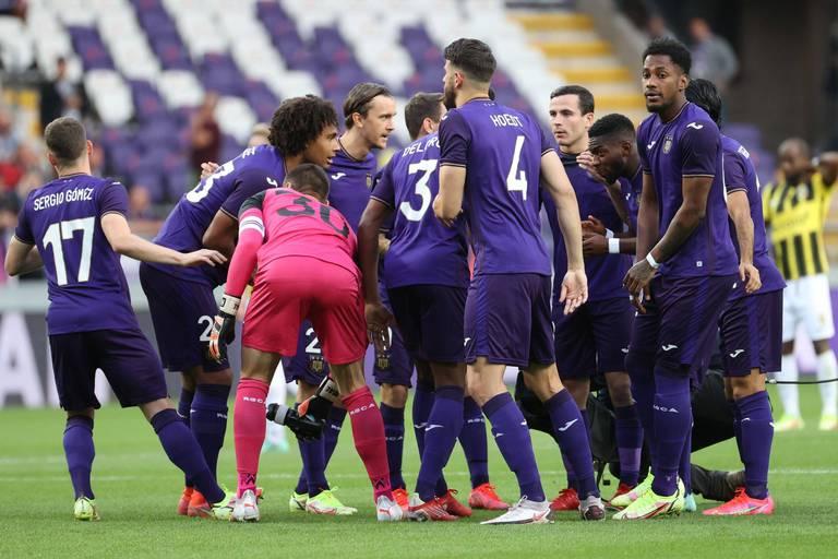 Conférence League: Au terme d'une fin de match complètement folle, Anderlecht partage face à Vitesse (3-3)