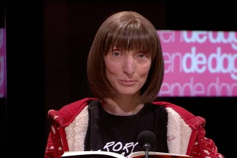 """""""Elle nuance, normalise et même excuse la pédophilie"""" : la poétesse Delphine Lecompte au centre d'une vive polémique après des déclarations sur la pédophilie"""