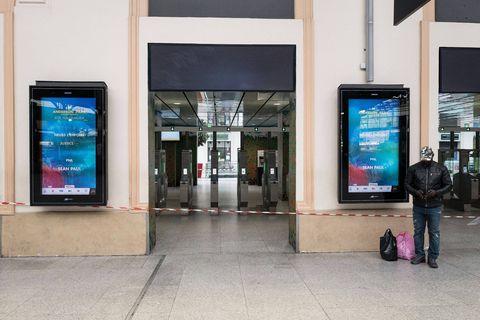 Clear Channel va faire la pub et le beau temps dans les gares belges