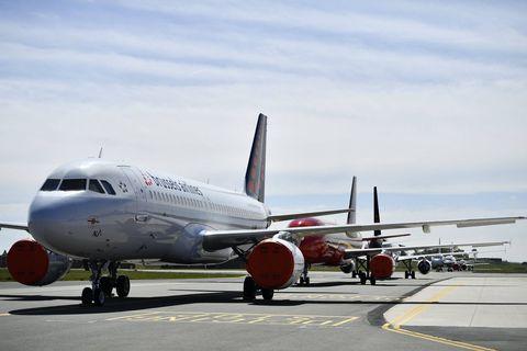 Pour éviter de trop longues files, Brussels Airlines invite les passagers à télécharger leurs documents corona à domicile