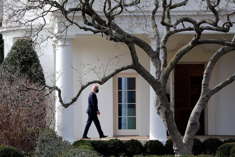 Joe Biden visits a small business - Washington