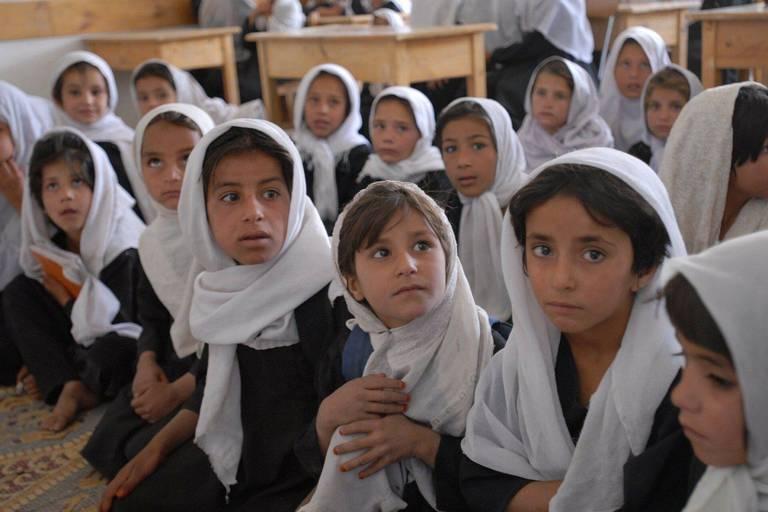 L'Empereur, la religieuse et les talibans : qu'ont-ils en commun?