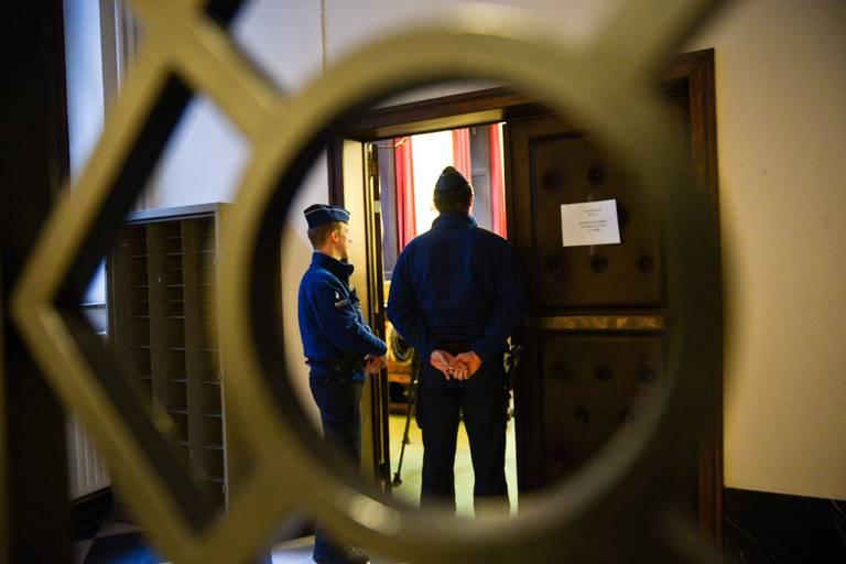 Deux immeubles et près de 900.000€ confisqués dans le cadre d'un vaste trafic de drogues dans le Borinage