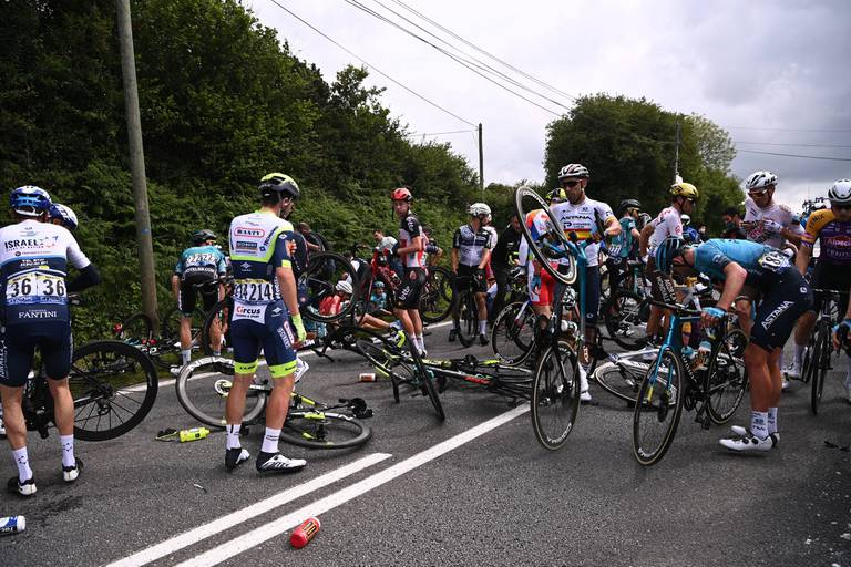 Des chutes à tour de bras au Tour de France… Mais pourquoi ?