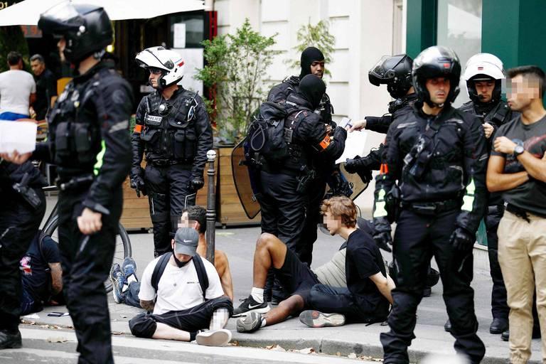 Manifestations contre le pass sanitaire en France: 71 interpellations dont 24 à Paris