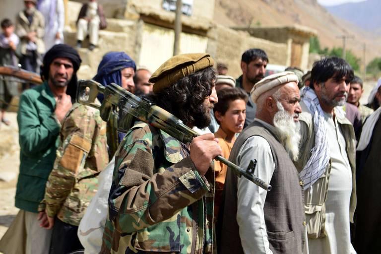 Afghanistan : alors que le nouvel exécutif taliban se fait attendre, les combats dans la vallée du Panchir continuent