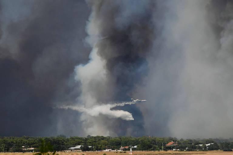 Un avion bombardier d'eau s'écrase en opération en Grèce, pas de victime