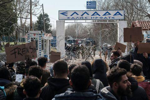 Amnesty international dénonce la politique grecque de refoulement des migrants