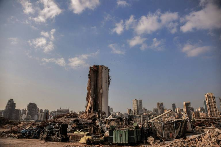 Les images impressionnantes du port de Beyrouth, filmé par un drone un an après l'explosion (VIDÉO)