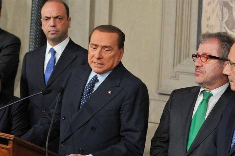 Italie: Berlusconi plonge le gouvernement dans une nouvelle crise