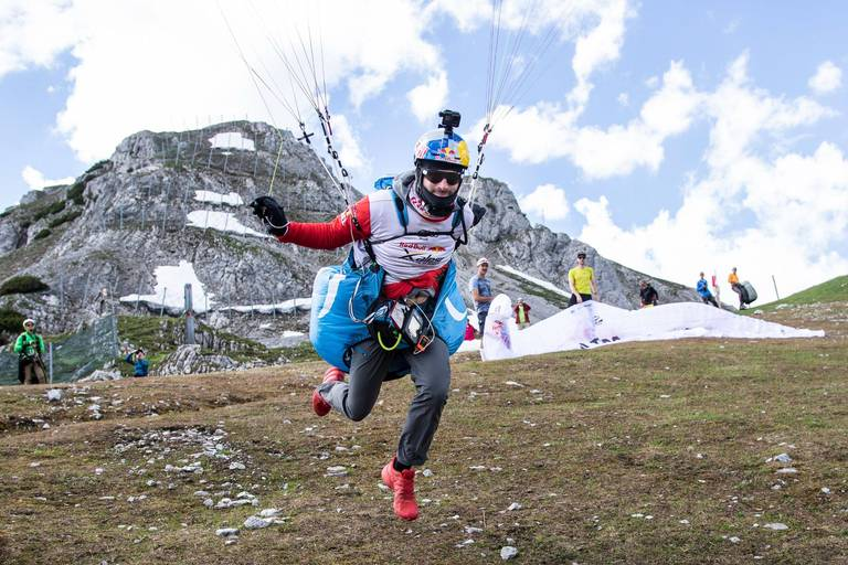 Départ réussi pour le Belge Thomas de Dorlodot au Red Bull X-Alps 2021, la course d'aventure la plus dure du monde.