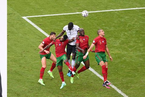 """Alex Teklak se penche sur Belgique-Portugal: """"Je suis certain que Martinez va s'inspirer de l'Allemagne"""""""