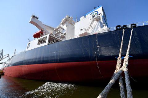 Un bateau heurte un quai au port d'Anvers