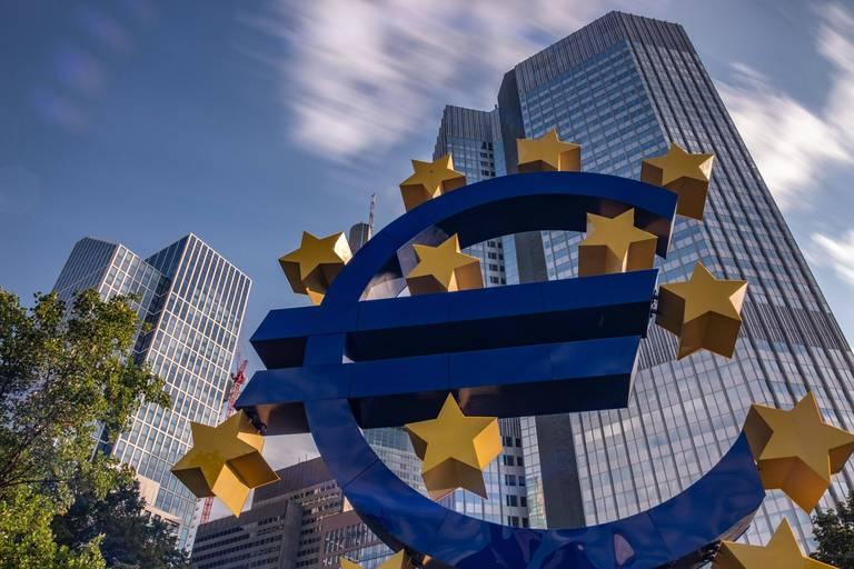"""Les politiques monétaires resteront accommodantes : """"Il y a tellement de dettes dans le système financier qu'il serait dangereux de remonter sensiblement les taux"""""""