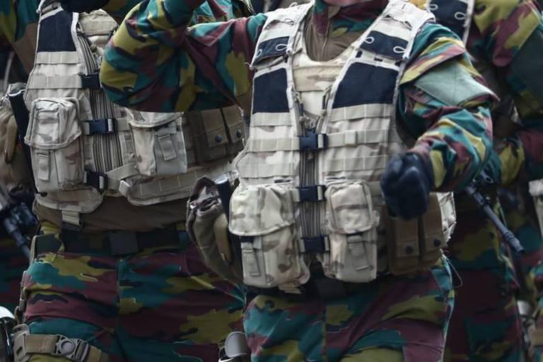 Les militaires en patrouille pas satisfaits de leur logement à l'Ecole royale militaire