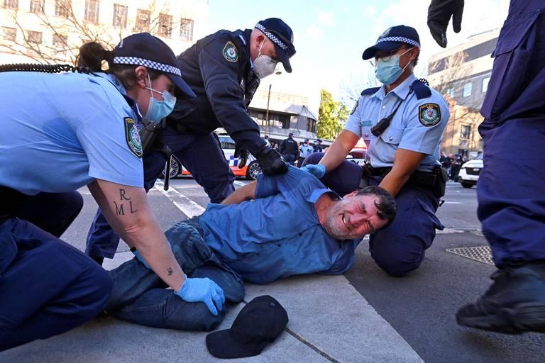 Coronavirus dans le monde: manifestations anti-confinement à Sydney, le Vietnam reconfine sa capitale