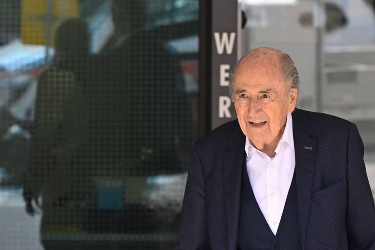 """Corruption à la FIFA: Sepp Blatter """"soulagé"""" à la fin de son audition"""