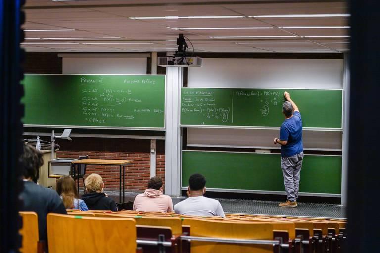Les études scientifiques et techniques n'attirent que 15 % des étudiants