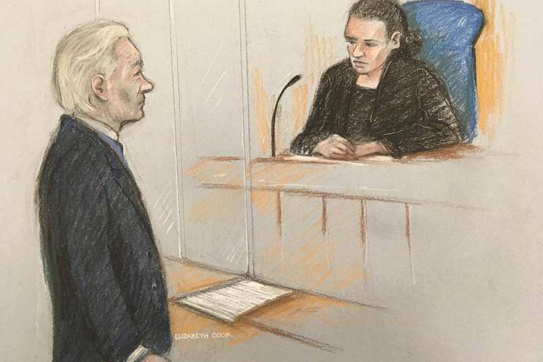 Devant la justice, Julian Assange s'est montré confus: il a eu des difficultés à se rappeler de sa date de naissance