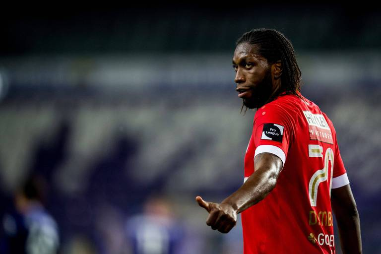Mbokani ne signe pas à Anderlecht ni à l'Antwerp mais 2 ans à Kuweit Sports