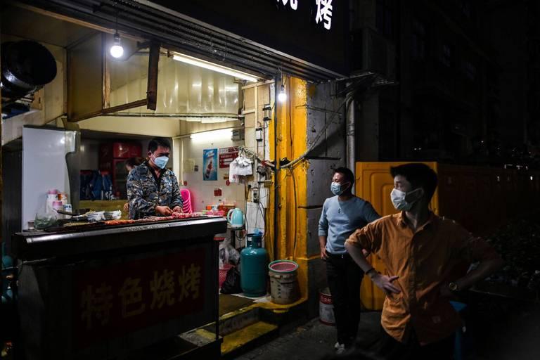Un coronavirus venu de Wuhan, oui, mais d'un marché ou d'un laboratoire ?